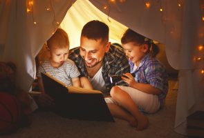 10 Reasons Why Dads Should Read to Their Children